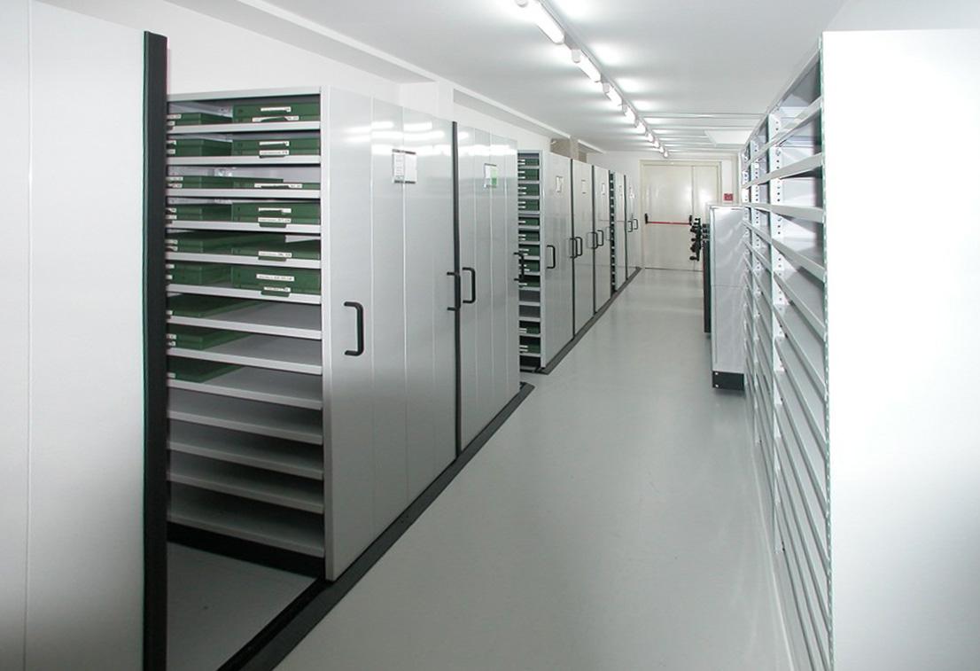 Arredamento su misura per farmacie e negozi danu arredamento