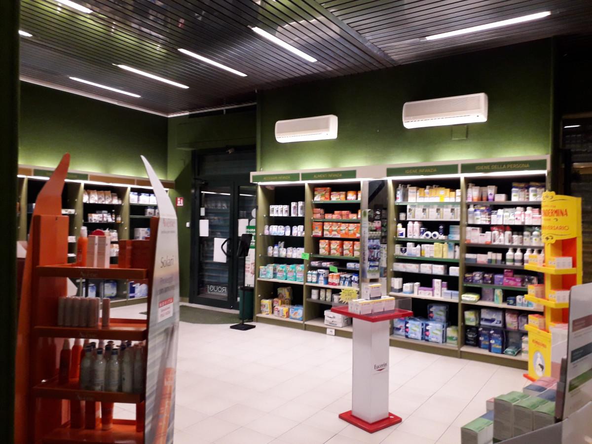 farmacia prima del restyling